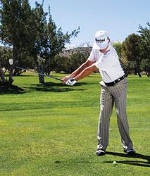 gay sat 3 Hướng dẫn đánh gậy sắt khi đánh golf (phần 3)
