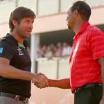 Robert Rock thi đấu chung nhóm với Tiger Woods. Hình chụp: Paul Childs/Zuma Press