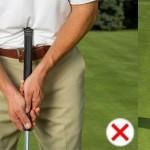 Theo R&A, không chỉ neo cán gậy trực tiếp vào phần thân cơ thể mà cả việc neo gián tiếp bằng cách ép sát tay trước vào phần thân cũng tính là phạm luật.