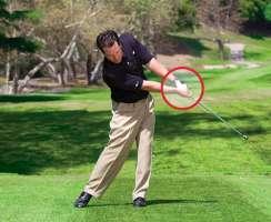 danh thap 3 Giải quyết những tình huống khó khi đánh golf (phần 2)