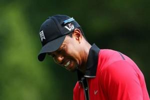 Woods, tại sao anh phải buồn khi mỗi lỗ kiếm được gần 200.000.000 vnđ?, Hình chụp: Getty Images