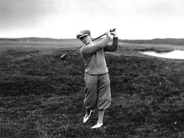 Huyền thoại nghiệp dư Bobby Jones cũng là đồng sáng lập sân golf Augusta National danh tiếng. Hình chụp: Hulton Archive