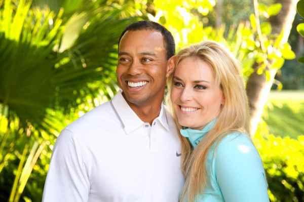 Tiger Woods thông báo hẹn hò với Lindsey Vonn trên Facebook. Ảnh tư Facebook chính thức của Tiger Woods