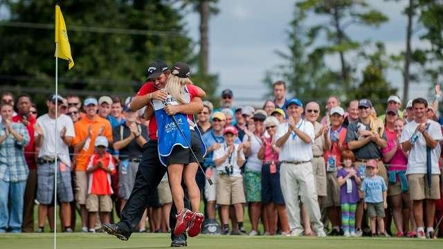 Lợi thế lớn nhất của Reed là cả hậu phương to lớn luôn ở bên anh từng bước chân trong giải. Hình chụp: Kevin Liles/USA TODAY Sports